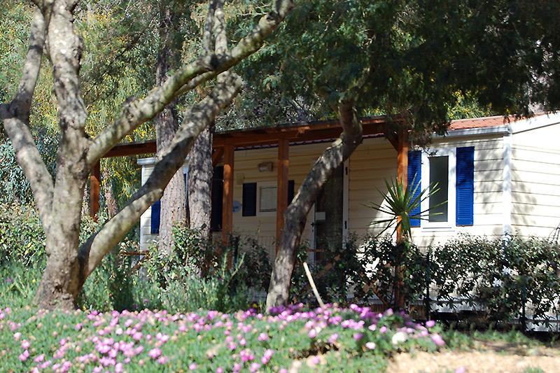 Bungalows und mobilhomes in sardinien campingplatz la pineta for Design della casa bungalow