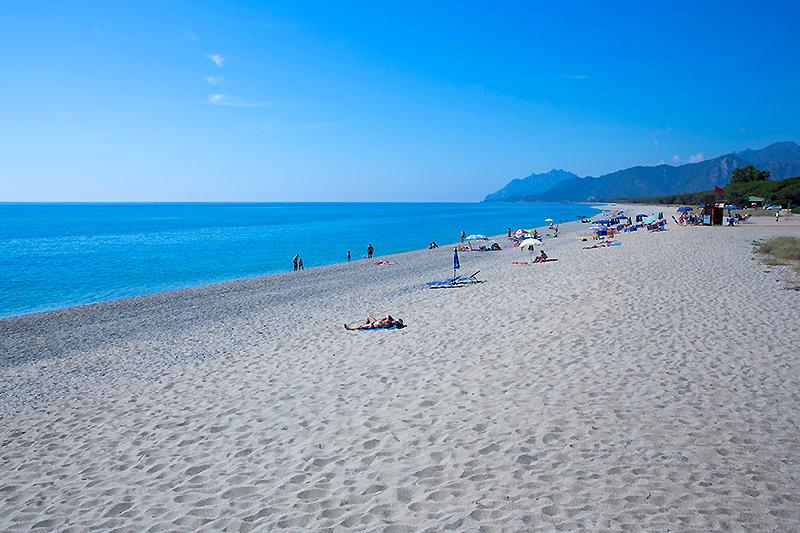 La spiaggia del campeggio