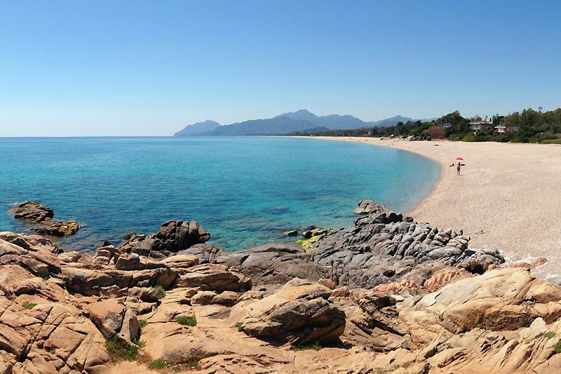 La spiaggia Torre di Barì in Sardegna